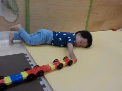 おもちゃで遊ぶのはとても大切!